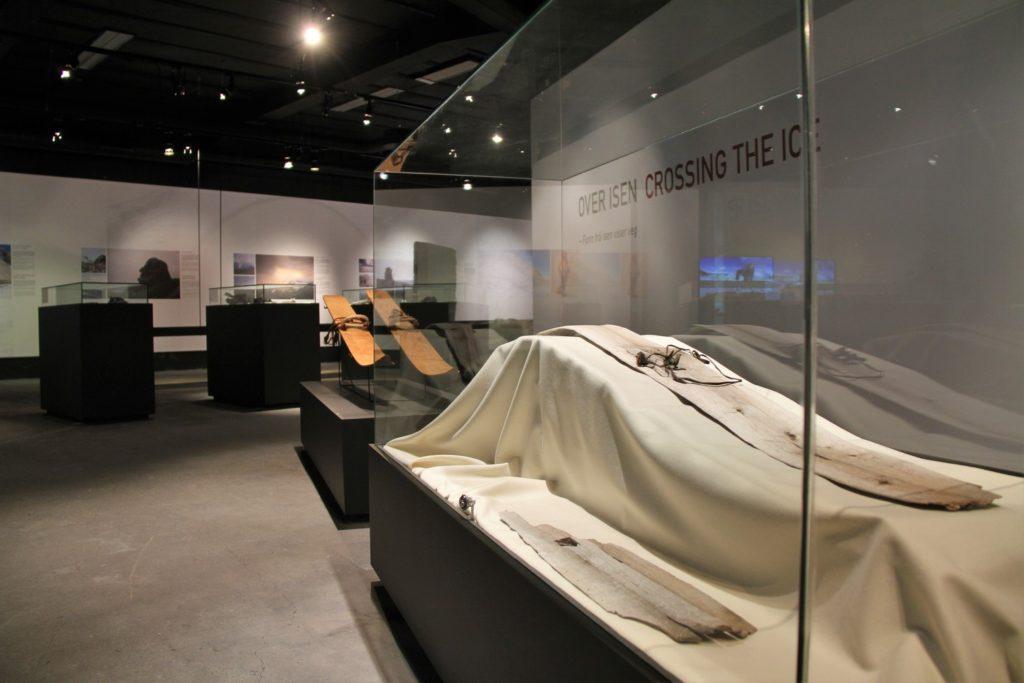 Brearkeologiske utstillinger, her fra Norsk Fjellsenter i Lom