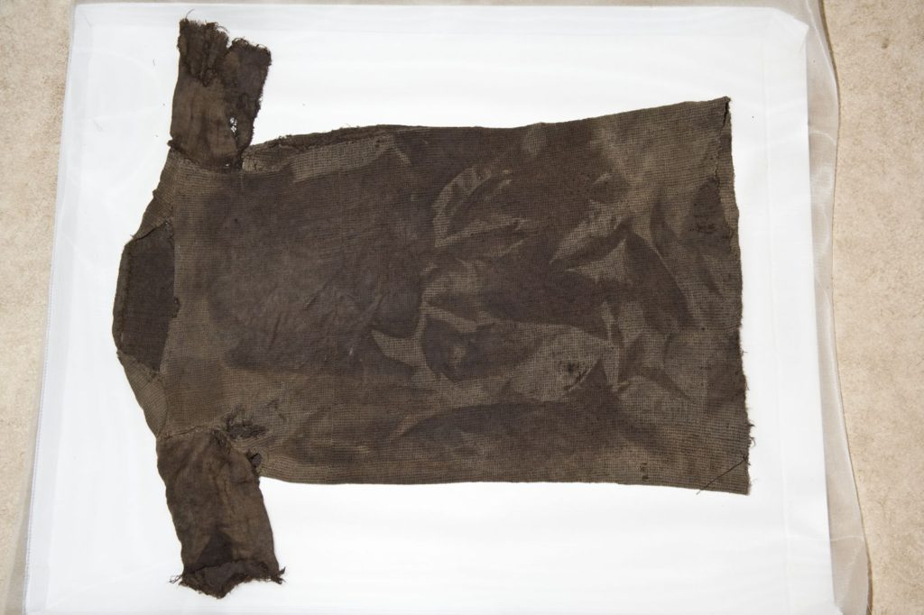 The Lendbreen tunic after conservation - the basis for reconstruction