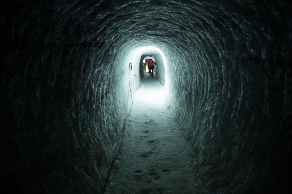 The Juvfonne ice tunnel during construction