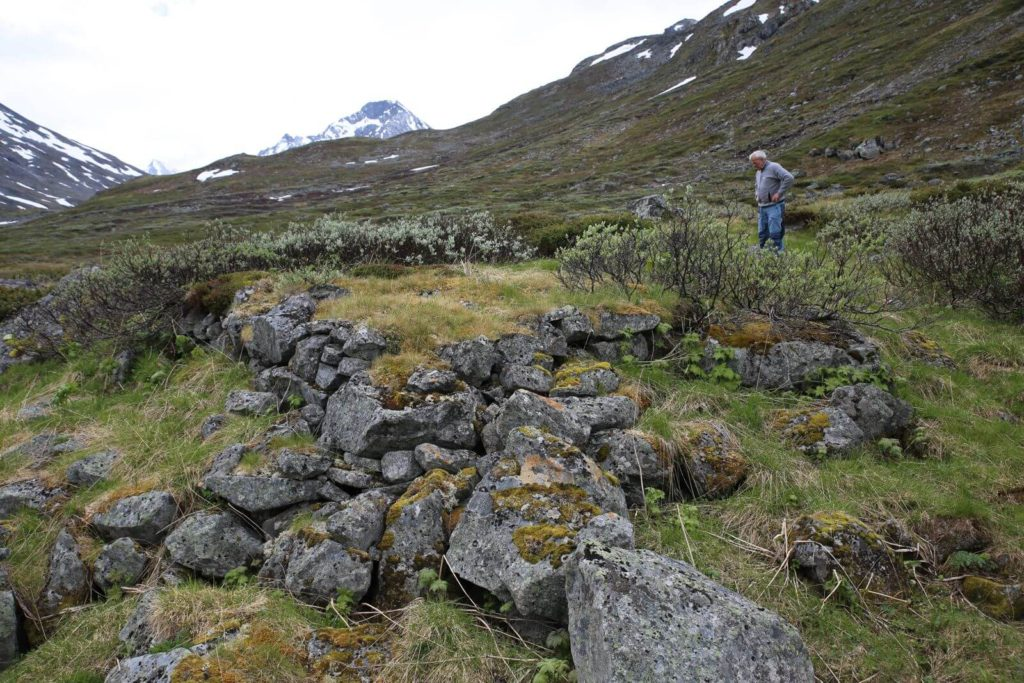 Reidar looking at one of the ruins at the Gamalsetre site.